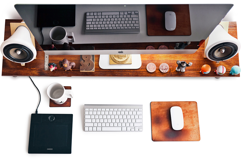 Desktop. Retouching by Fotolisis