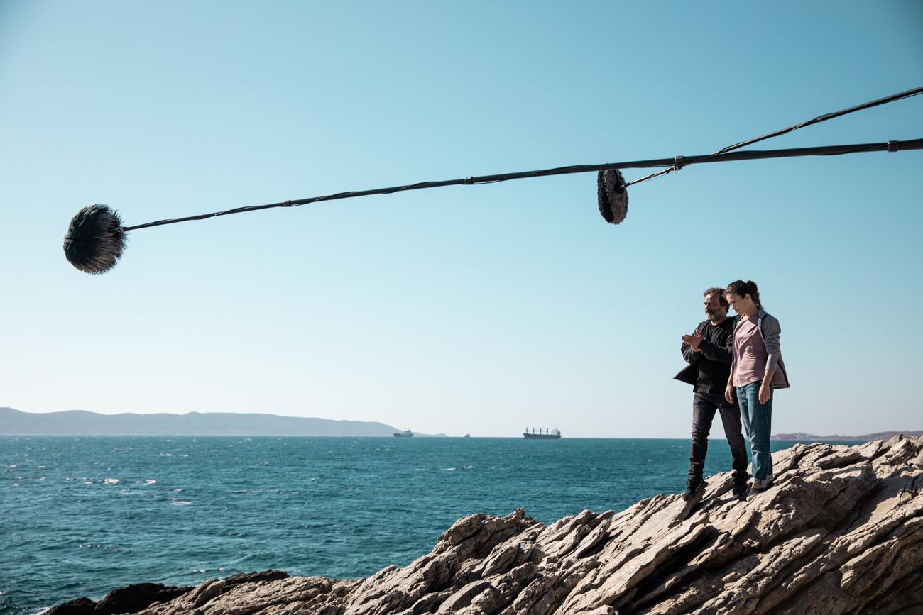 Anna Castillo y Eduard Fernández durante el rodaje